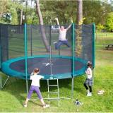 Le trampoline, un cadeau pour sauter de joie à Noël